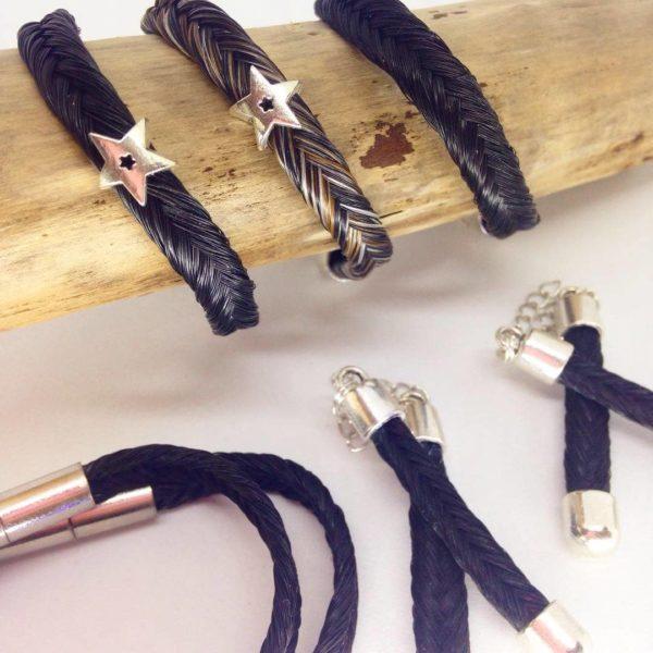 ensemble de Bracelets crin de cheval et porte clef en crin
