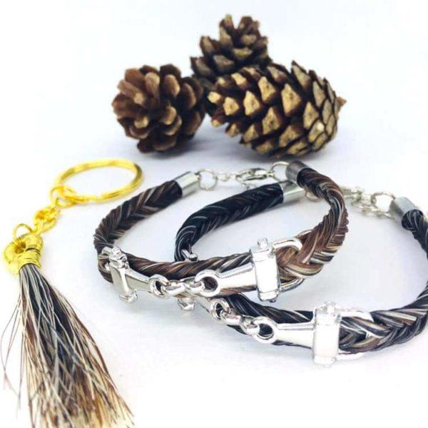 Bracelets en crin de cheval tressé en épi marron et gris avec un mors
